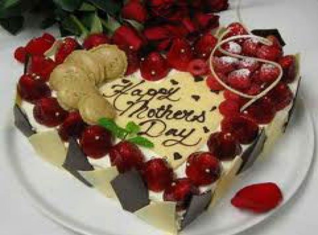Fresh Fruit Heart Shape Cake Few things appeal to the taste bud as
