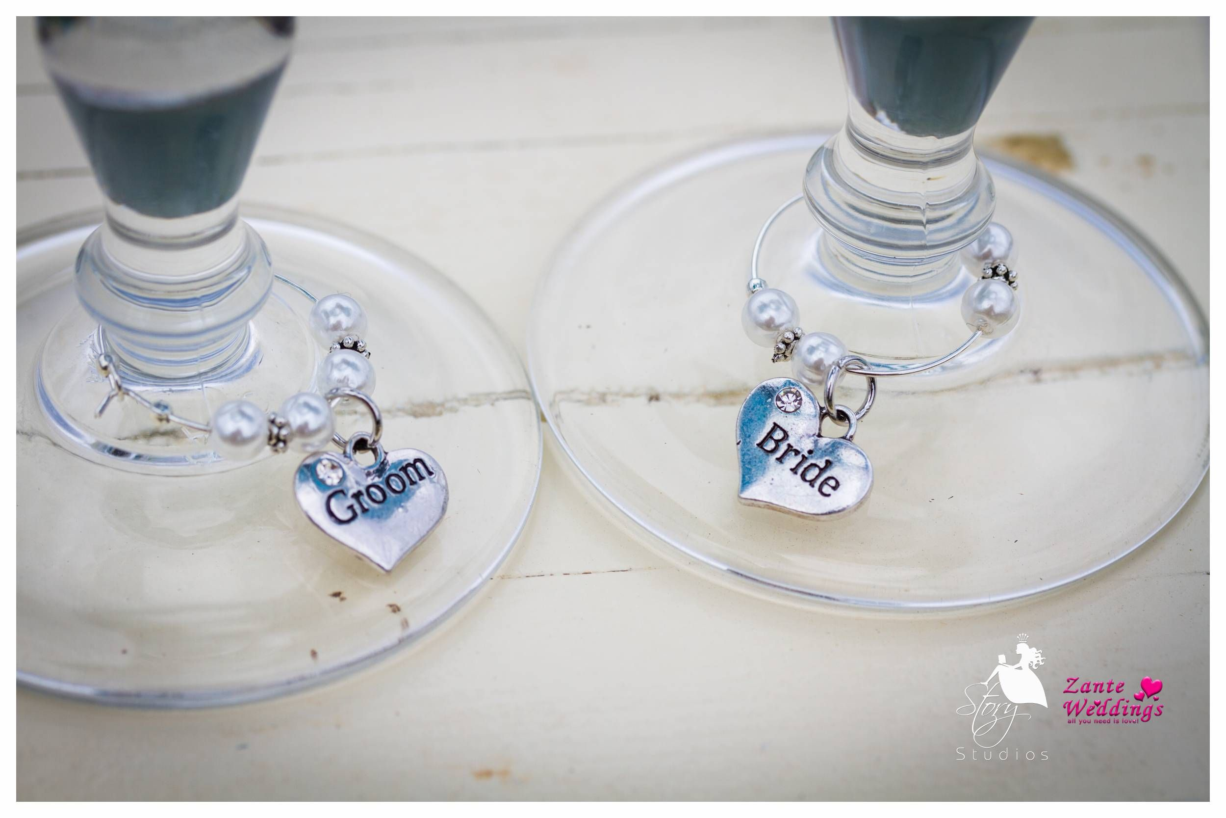 Cute little idea for the brides and grooms glasses