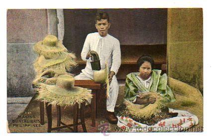 PHILIPPINES. FILIPINAS.FABRICANDO SOMBREROS DE PAJA. (ARTESANO). MAKING BUNTAL HATS. (Postales - Postales Extranjero - Asia - Filipinas)