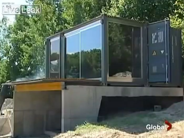 Stunning prefab shipping container homes for 32k for Maison prefab