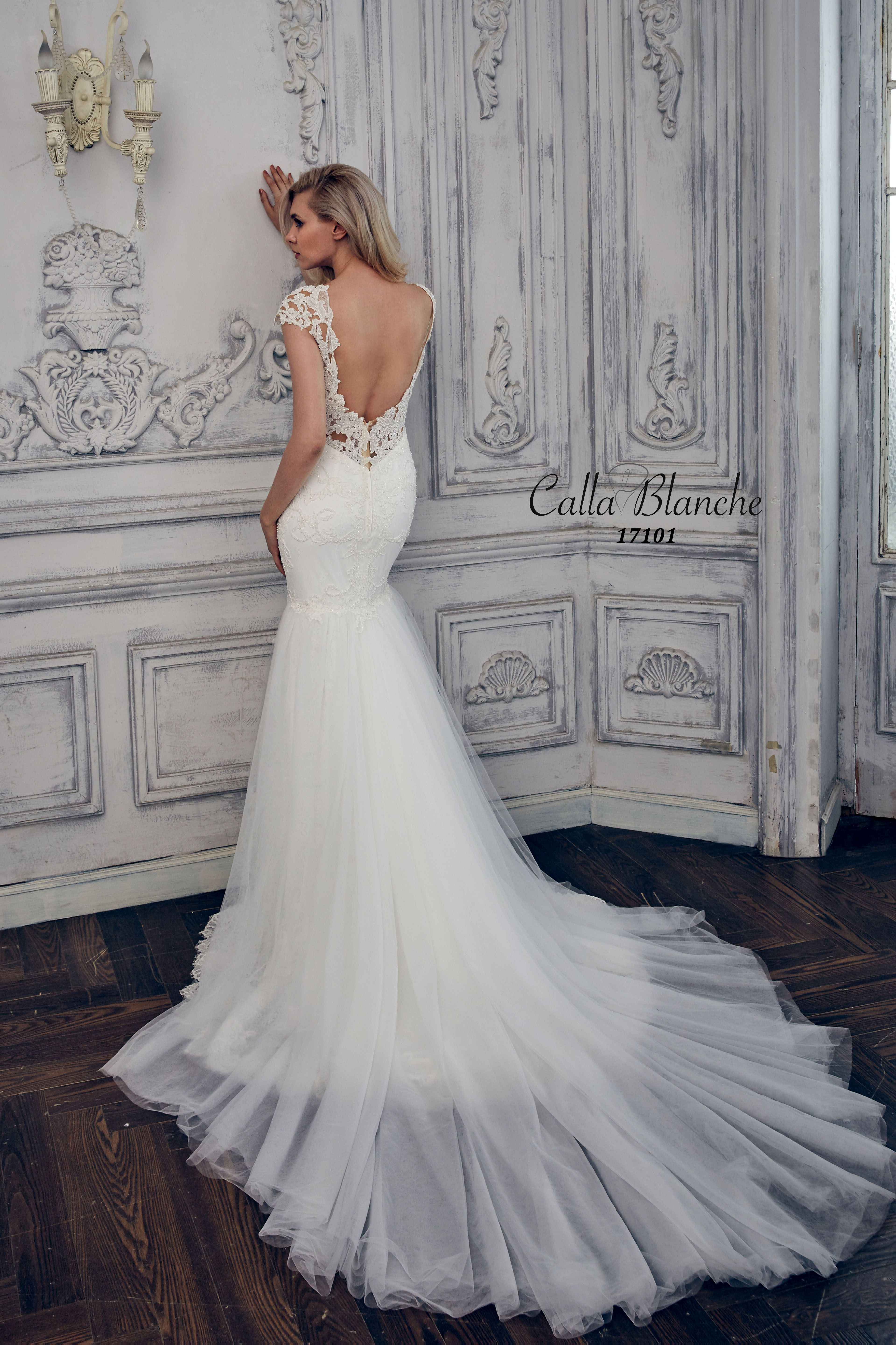 Calla Blanche Kiara ivory wedding gown is a backless, lace trumpet ...