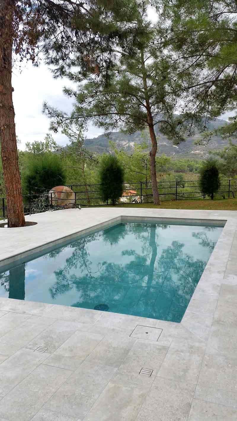Rosa gres piscina mistery grey porcelanico piscinas en - Piscinas modernas ...