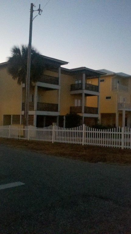 Sawgrass Pointe 3 BR/3.5BA Nestled Between... - HomeAway Gulf Shores