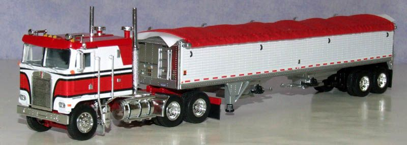 K100 Kenworth Extended Sleeper Flattop Cabover Classic Red