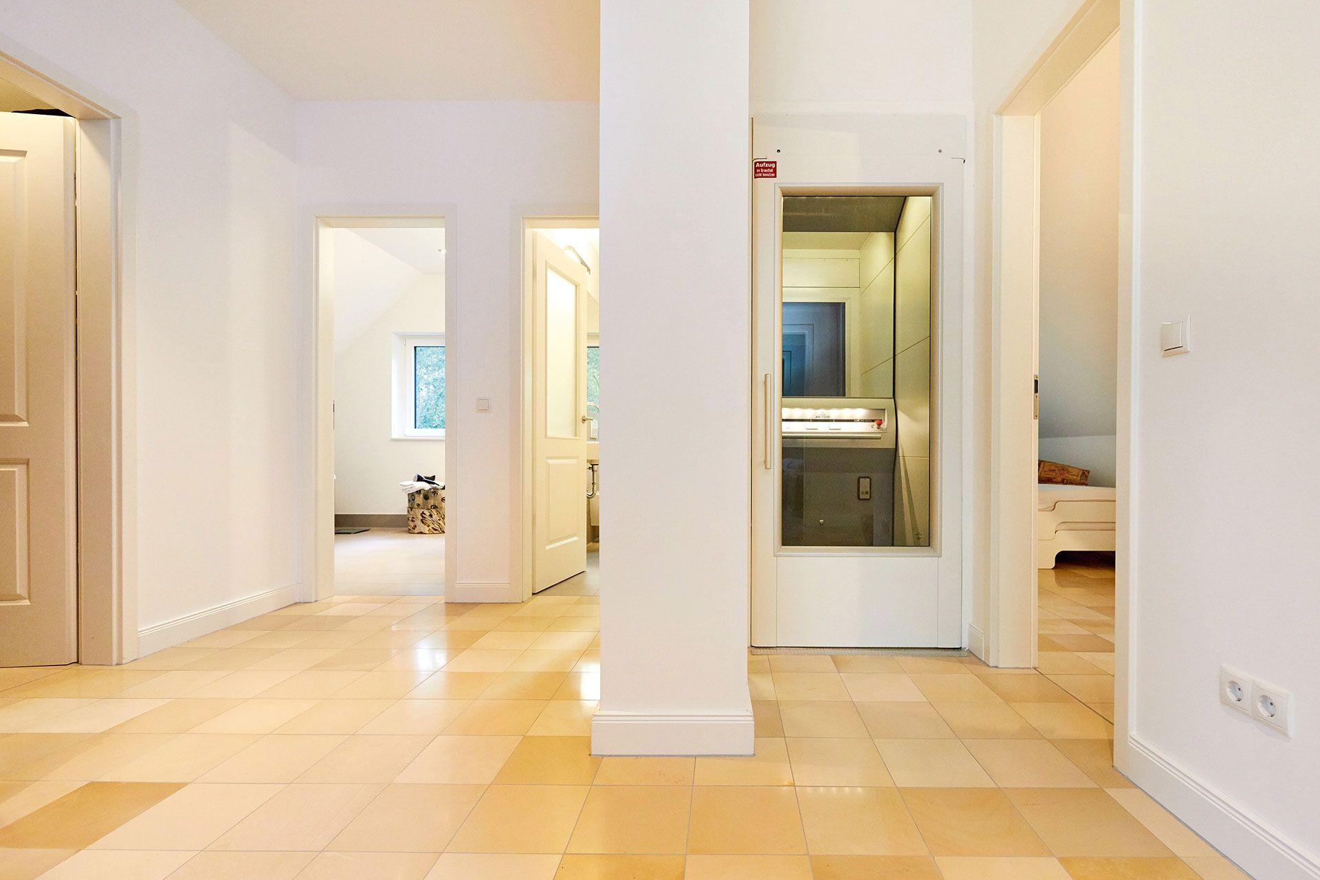 Fertighaus Modell Kaiserberg Exklusives Einfamilienhaus Mit Aufzug Gussek Haus Luxushaus Haus Einfamilienhaus