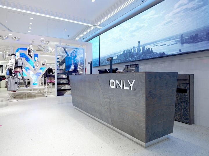 Pin By Nicole On Visual Merchandise Retail Store Counter Design Store Design Retail Store Design