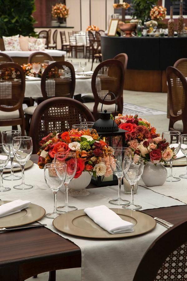 Um casamento na fazenda! Muitas flores e uma decor combinando com o clima!  ❥Hobby&Decor | Instagram.com/hobbydecor | #decor #hobbydecor #casamento #wedding