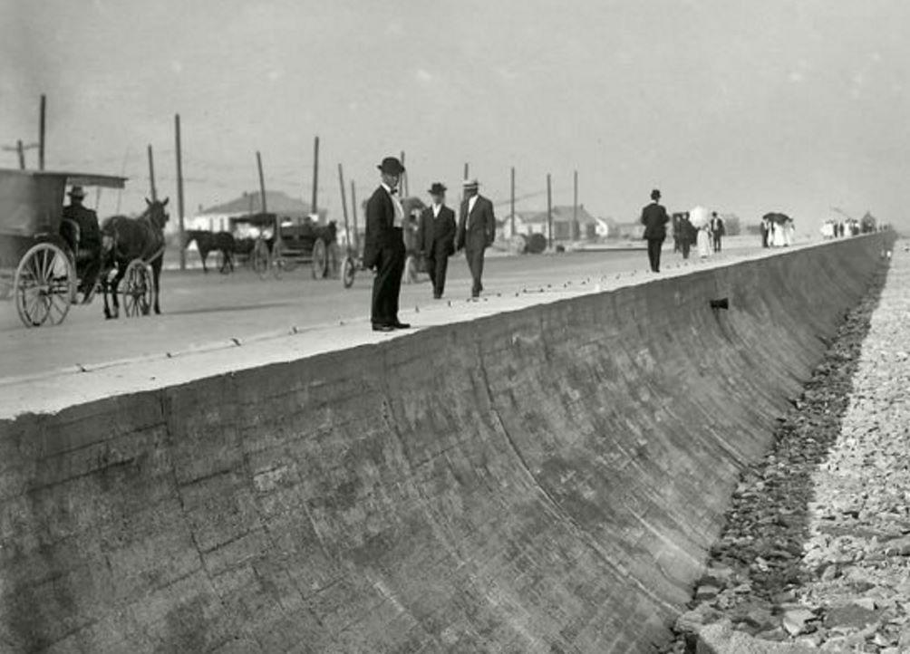 Galveston sea wall around 1905