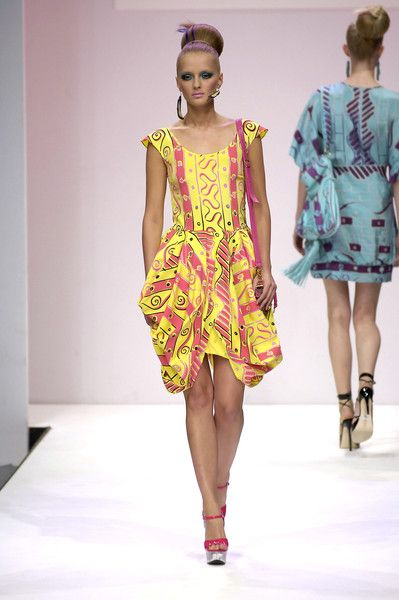 Zandra Rhodes Spring 2007 Runway Pictures | Zandra rhodes, Fashion ...