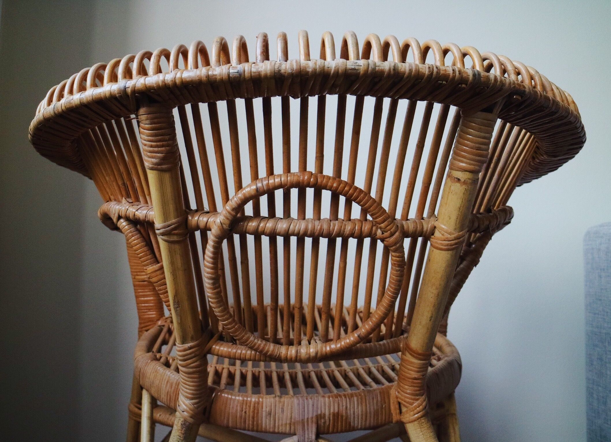 My new vintage rattan chairs have me spell bound. ???? | Balcony ...