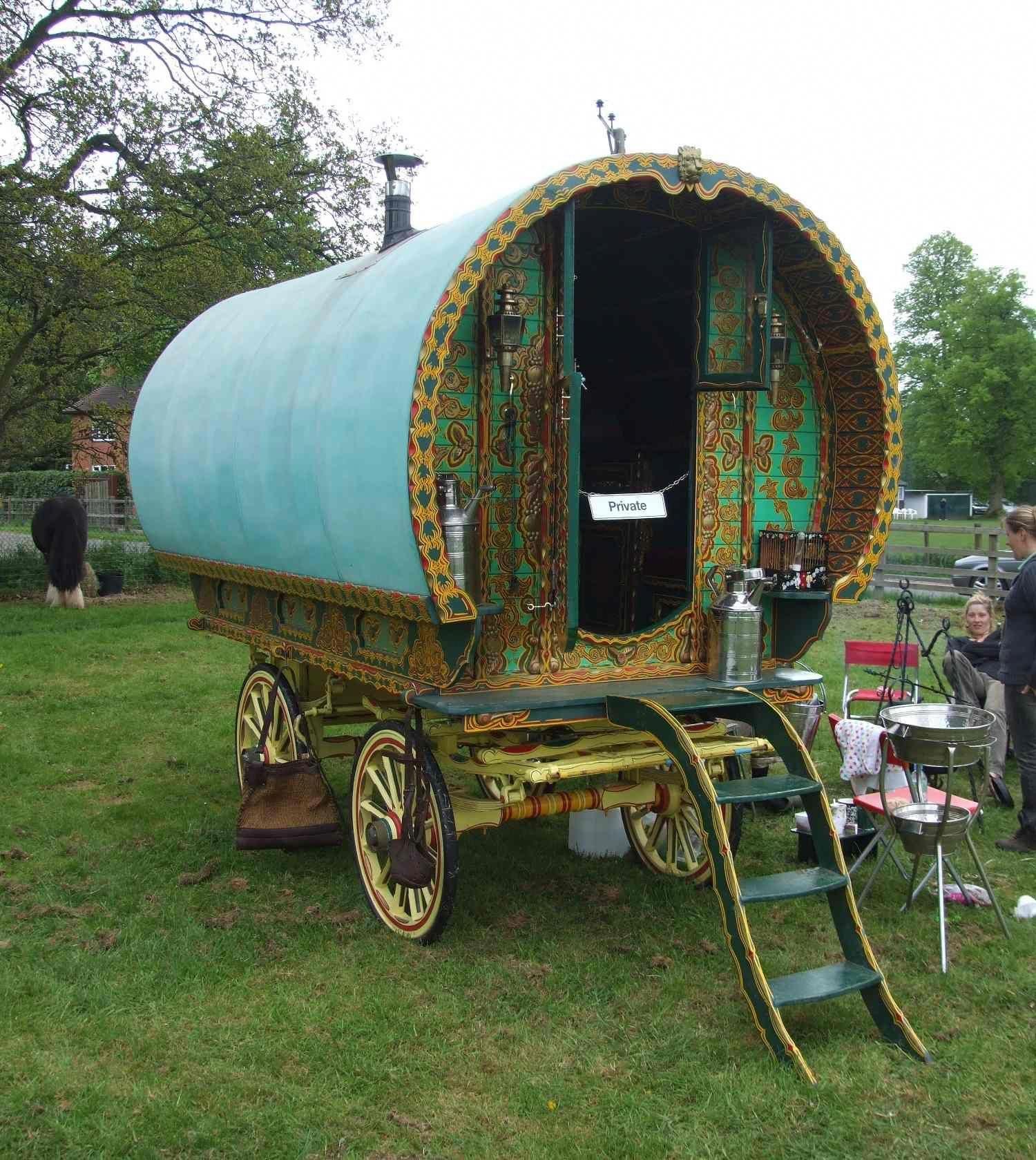 Images For > Modern Gypsy Wagon rvsetupinyard Gypsy caravan