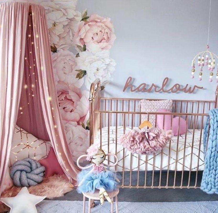 Nia Bebe Fabulous Flores Y Cisnes Para Un Dormitorio Encantador - Cuna-para-bebe-nia