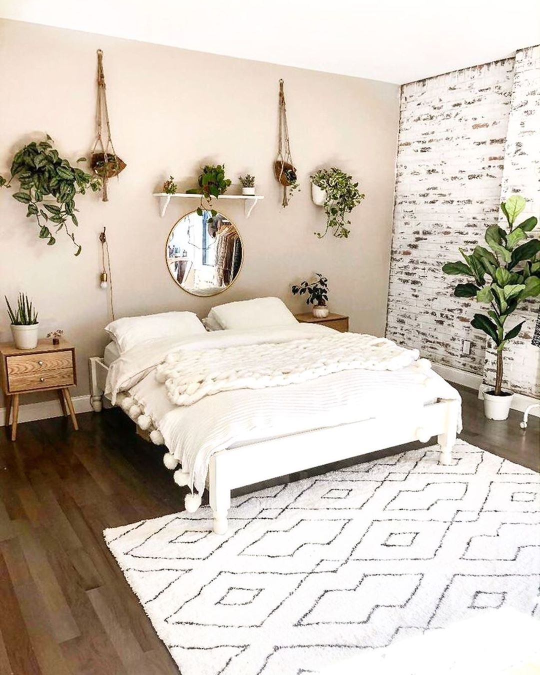Indoor Plants Are A Must Bedroom Modern Plants Interior Decor Fresh Inspiration Minimalist Bedroom Decor Bedroom Interior Bedroom Decor Inspiration
