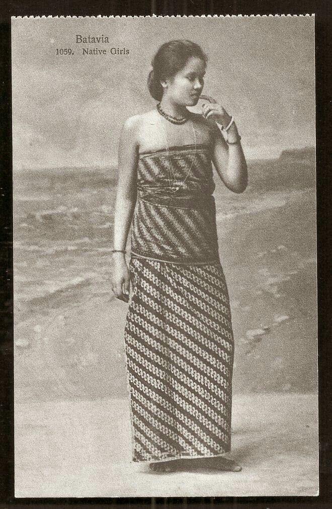 Batavia Girl on Batik Costume Batavia Jakarta