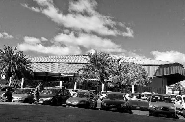 Desde las Islas Canarias  ..Fotografias  : Black and White...Arquitectura...Pabellón de Depor...