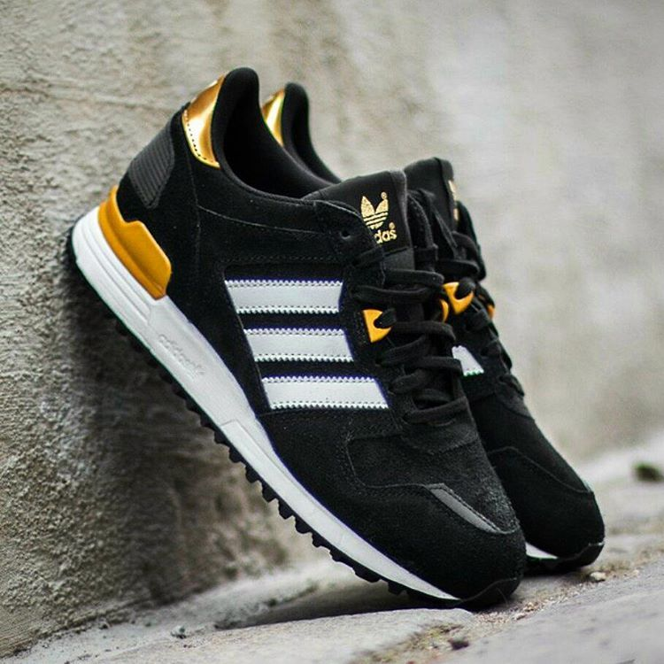 new styles 41255 0f99f adidas Originals ZX 700 W Core Black White Gold