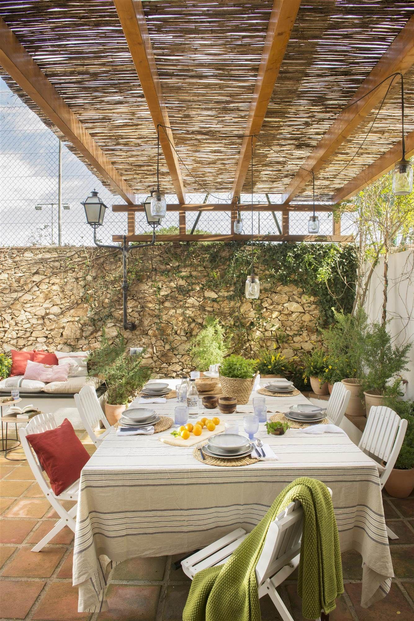 Pérgolas para terrazas y jardines ¿qué tipo de cubierta