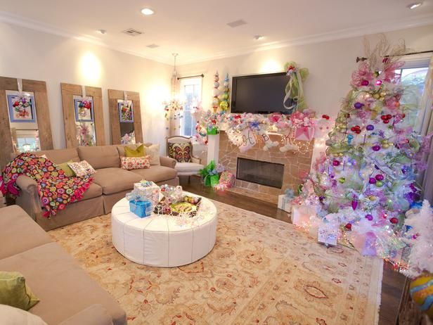 Celebrity Holiday Homes Peek Inside Festive Star Studded Spaces Decorating Home Garden Television