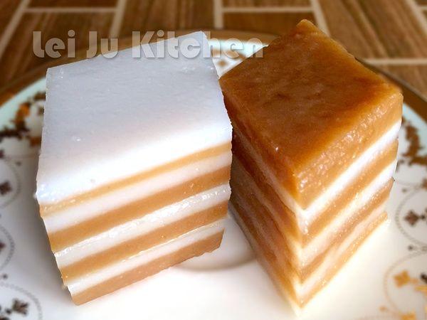 客家九層粄食譜、 在來米粉 200g 玉米粉 60g 水 1000g 砂糖水 砂糖 100g 熱水 100g 黑糖水 黑糖 100g 熱水