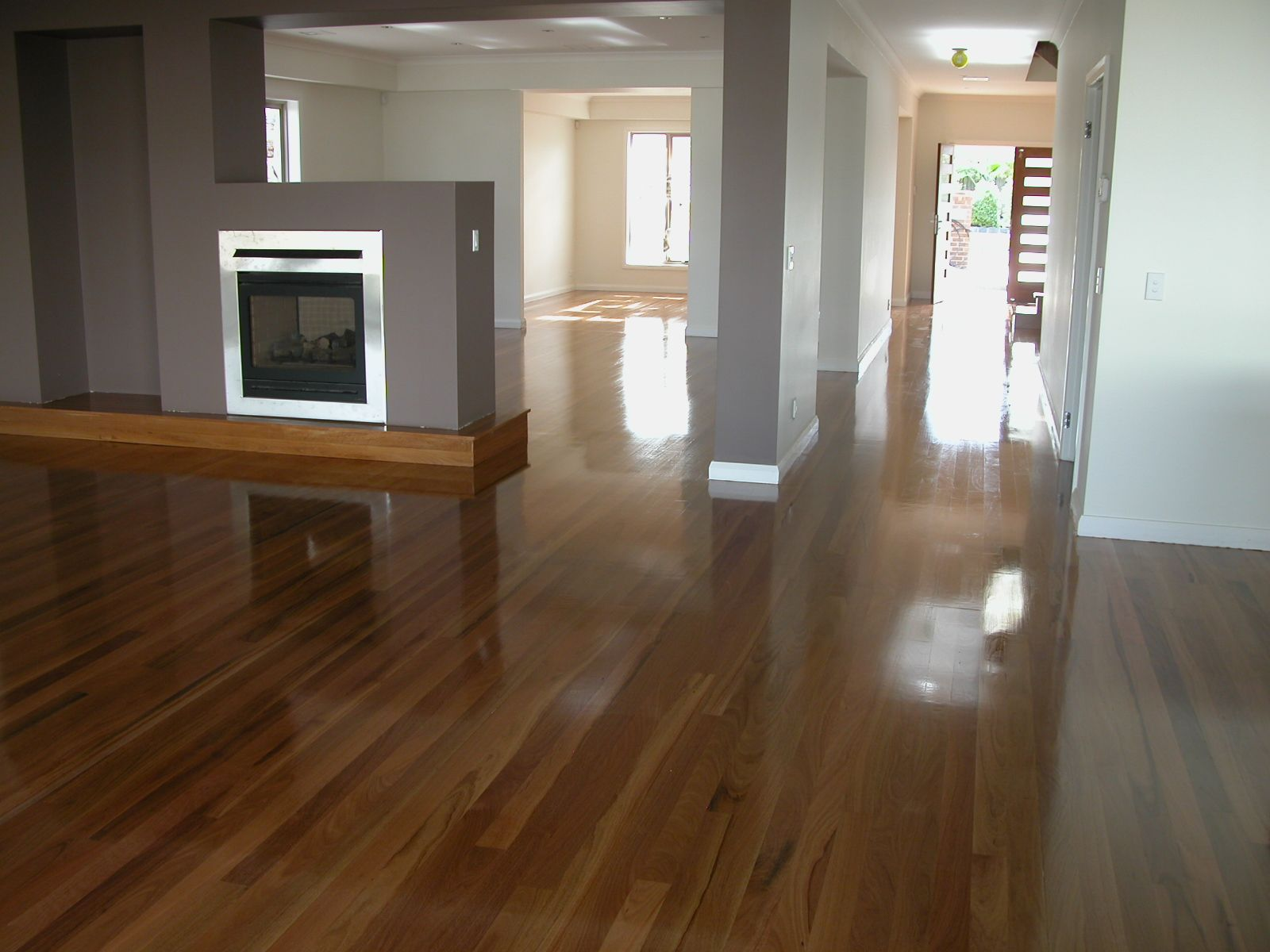 Pros and cons of wood bee floorboard 68