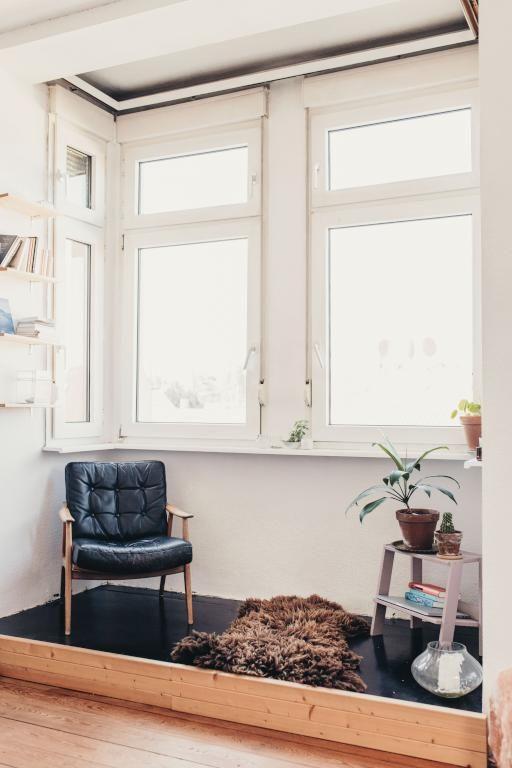 Wohnzimmer Mit Gemutlicher Leseecke Im Erker Wohnzimmer