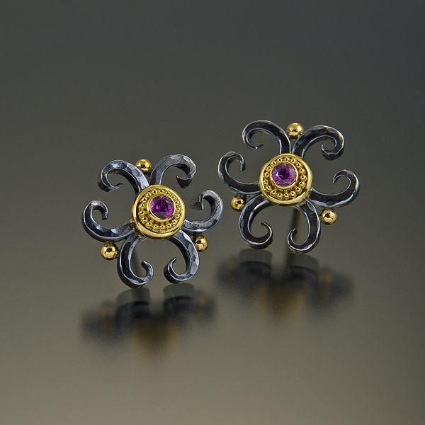 Elizabeth Gaultieri - earrings 22kt gold granulation oxidized silver