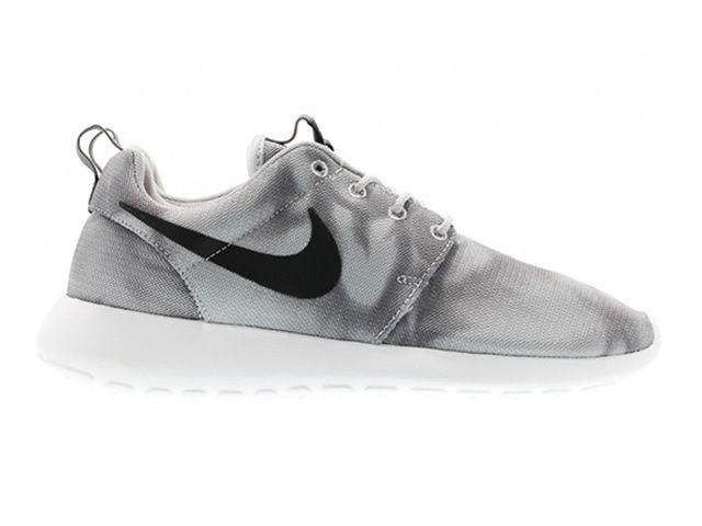 competitive price f1579 2a011 Nike Roshe run Imprimer Gris   Noir Nike Roshe Run Femmes