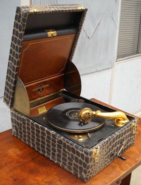 1920 S Wind Up Record Player Phonograph Vintage Record Player Old Record Player