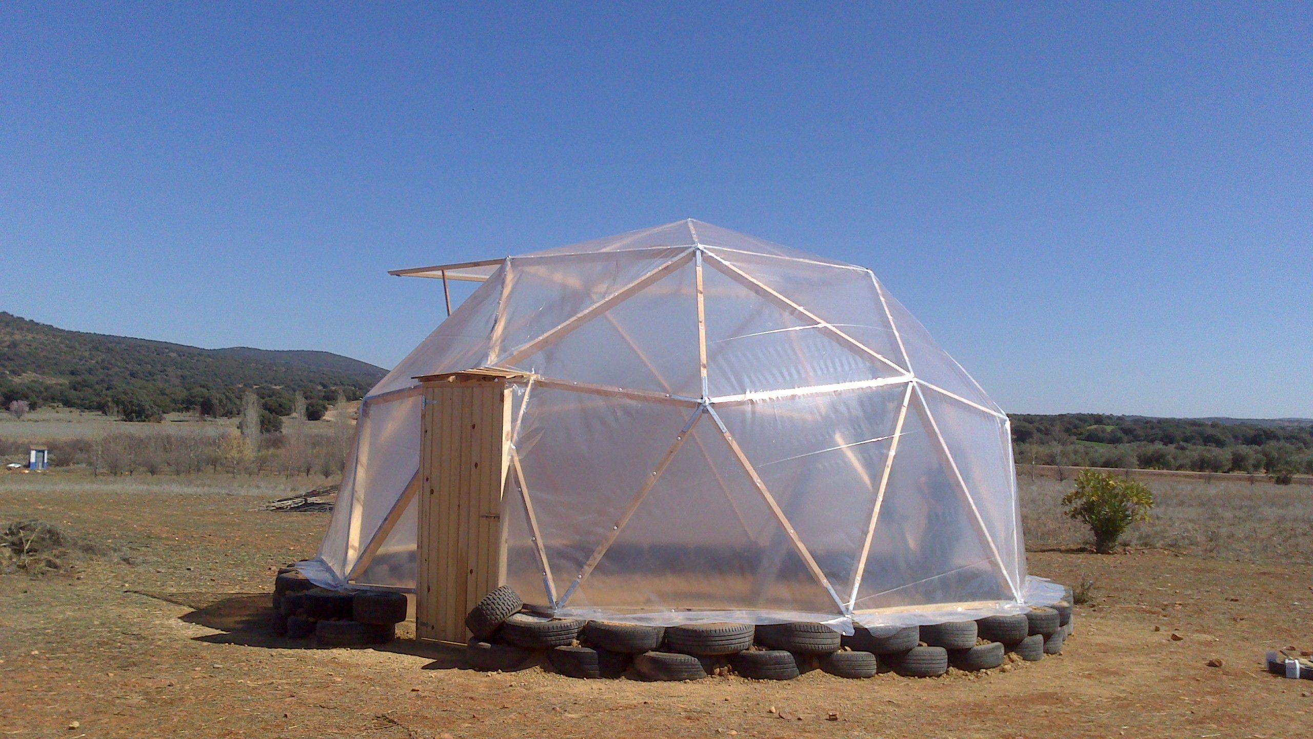 Domo Invernadero de 40 m2 con estructura de madera y ...