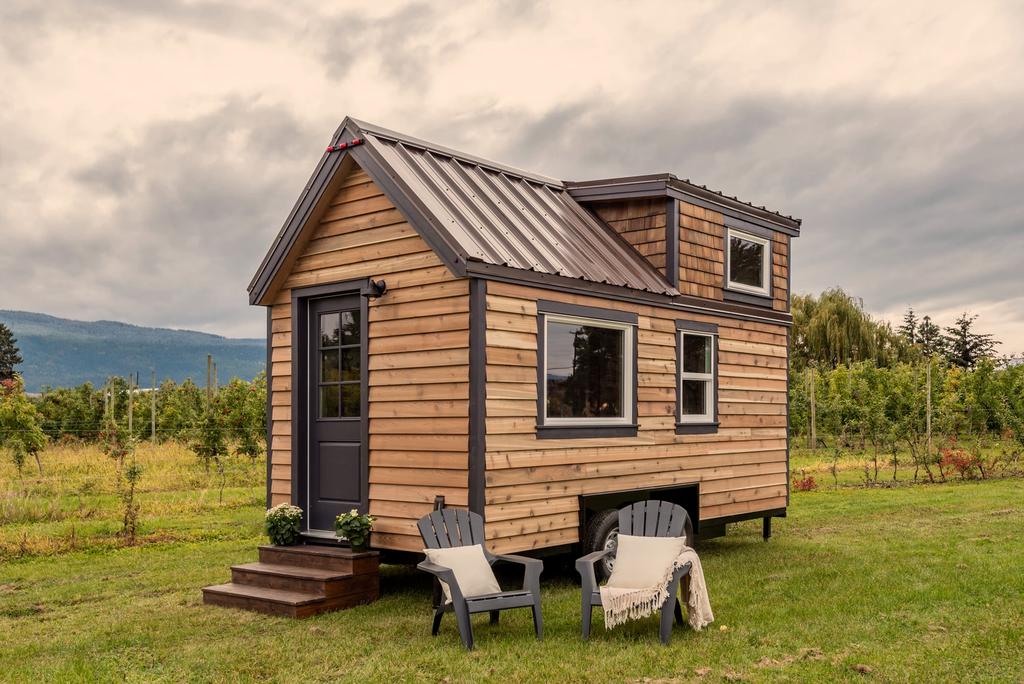 16 Thistle Tiny House On Wheels By Summit Tiny Homes Tiny