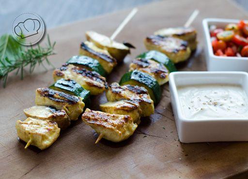 Receta de pinchos de pollo al curry y yogur aves - Como preparar pinchos de pollo ...