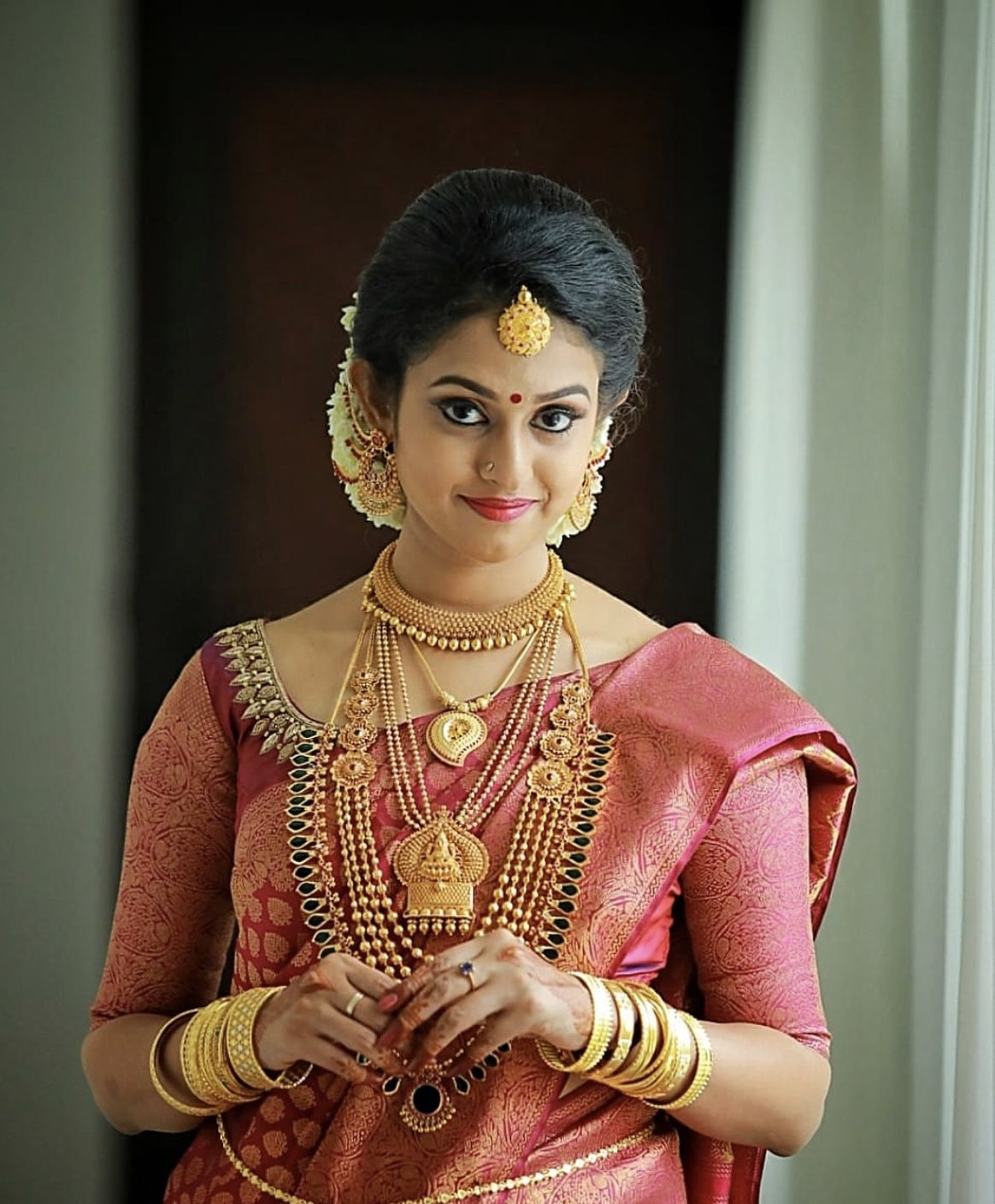Kerala Party Hairstyles: Pin By Divya On Gold Jewelry
