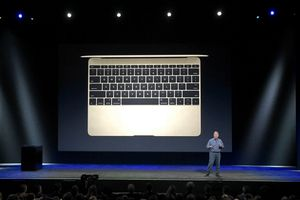 MacBook makes a case for wireless docking -- but too soon | PCWorld