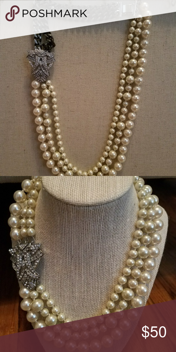 6cf63b1e70597 Pearl Like Necklace Stella and Dot Daisy Pearl Necklace. New. Can be ...