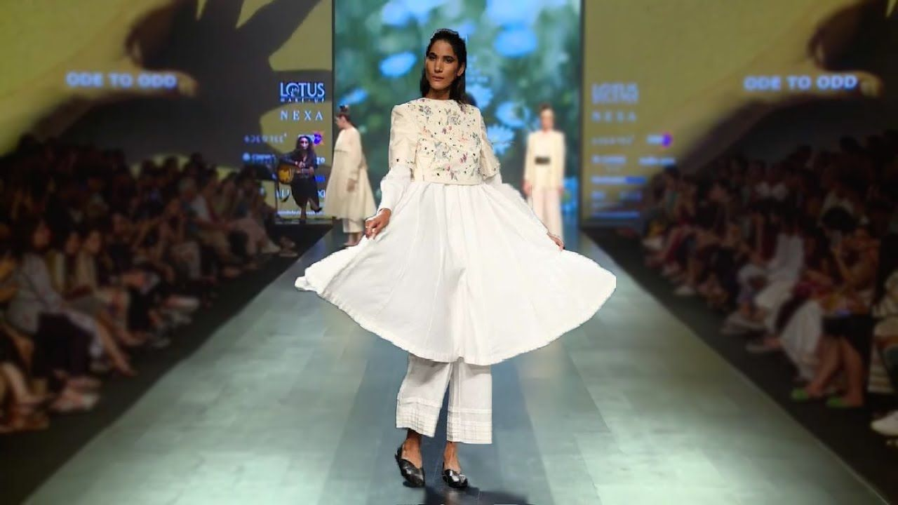 Pin By Weddings And Events Scenery On Weddings And Events Scenery India Fashion Week Fashion Plus Size Fashion