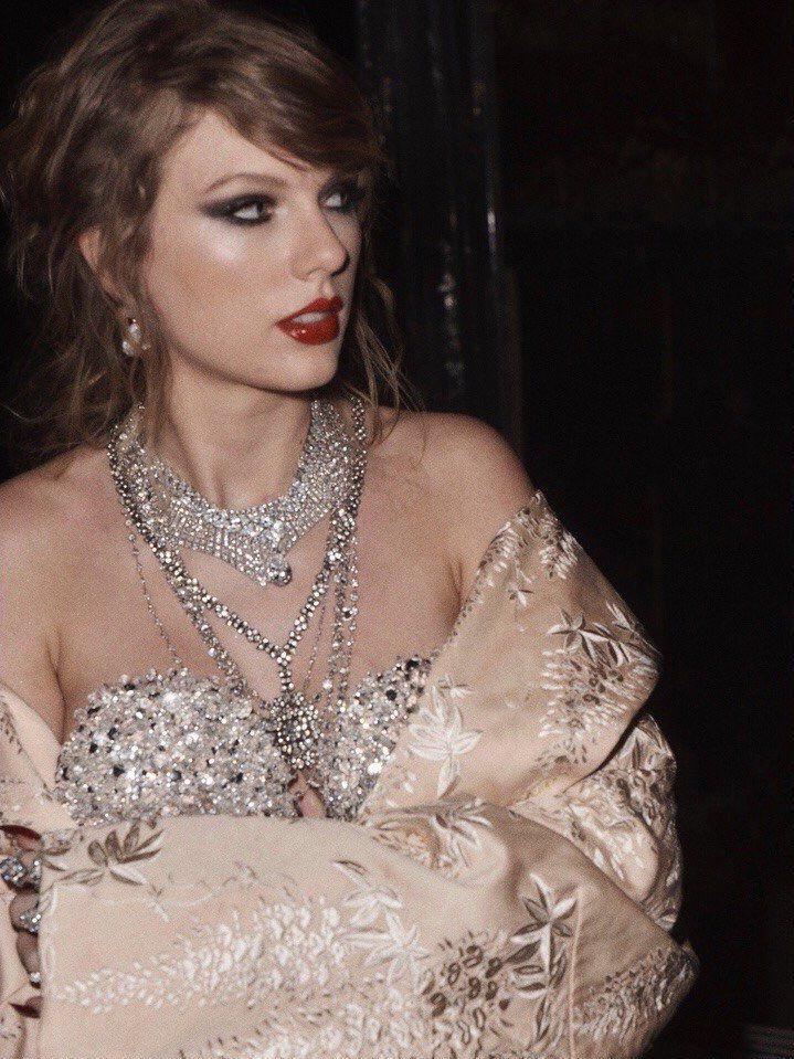 Taylor Swift Updates (@TSwiftLA)