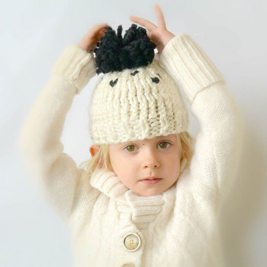 This chunky knit toddler hat is just right for the fall and winter months! Easy enough for a beginner knitter. Free pattern!