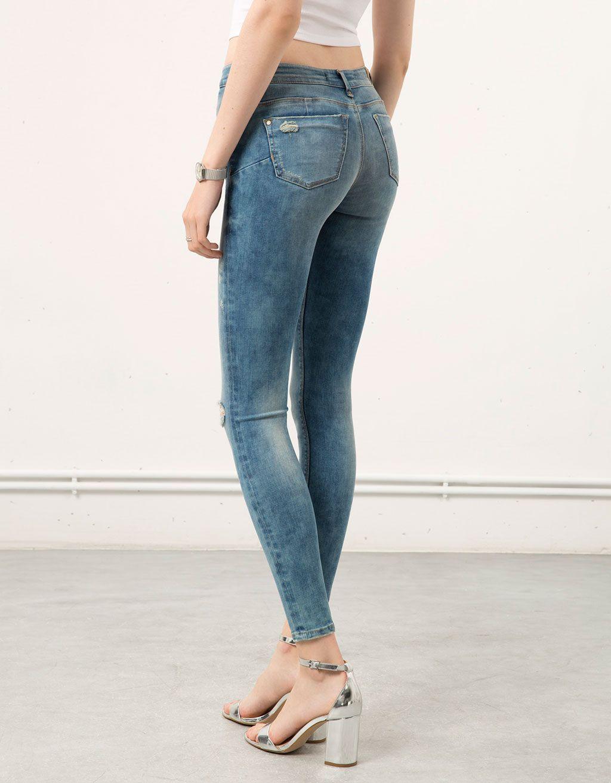 a4ea2809f91d2 Bershka ripped skinny jeans - Woman - Bershka Romania   สกินนี่ยีนส์ ...