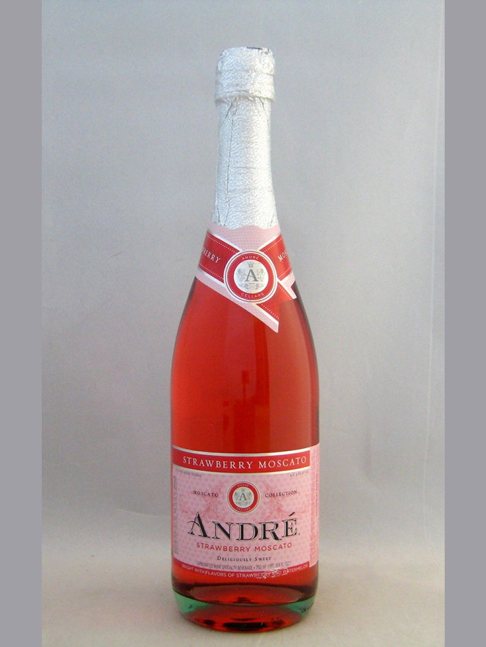 Andre Strawberry Moscato Strawberry Moscato Moscato Alcoholic Drinks