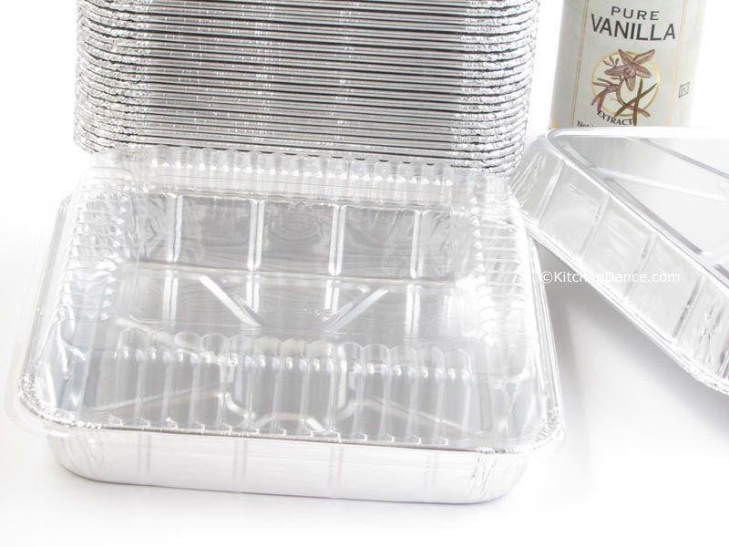 8 square foil cake pan with plastic lid 1155p square