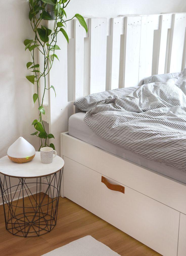 Wie Ich Mein Bett Mit Paletten Kopfteil Und Ledergriffen Optimiert Habe Brimnes Bed Pallet Beds Pallet Headboard