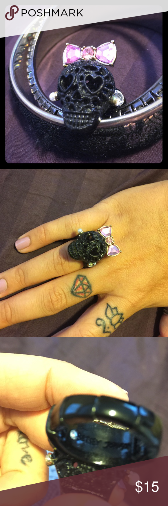 💖Betsey Johnson skull ring💀 Bada$$ Betsey Johnson skull ring. Like new! No wear or tear. It has a stretchy band so it can fit most fingers. It's a great statement piece and people take notice of it!😊 Betsey Johnson Jewelry Rings