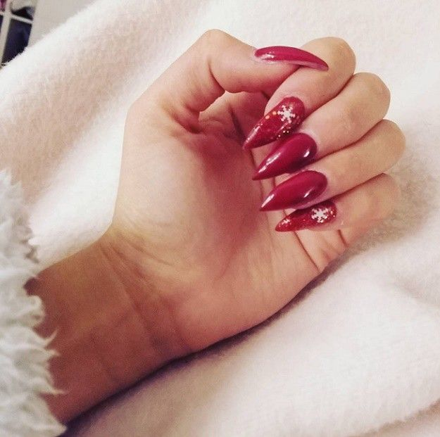 16 Sexy Red Nail Designs You Should Wear This Christmas Christmas