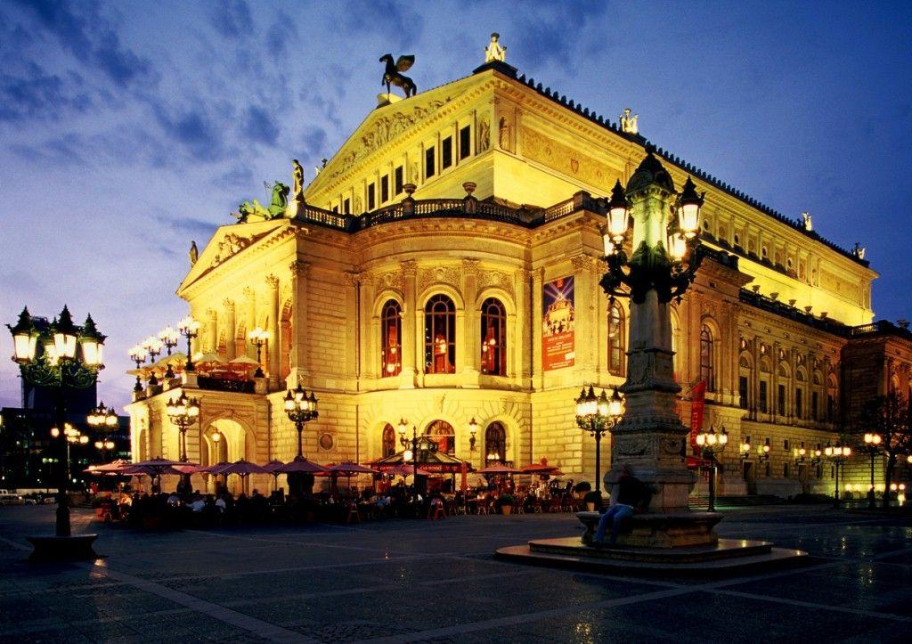 Frankfurt am Main, Alte Oper concert hall ©Deutsche