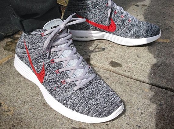 Nike Flyknit Chukka - Grey - Red