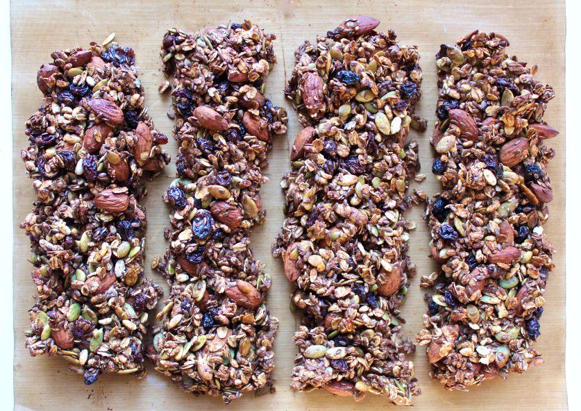 Banana, Pumpkin Seed & Almond Granola Bars: Vegan and Sugar Free