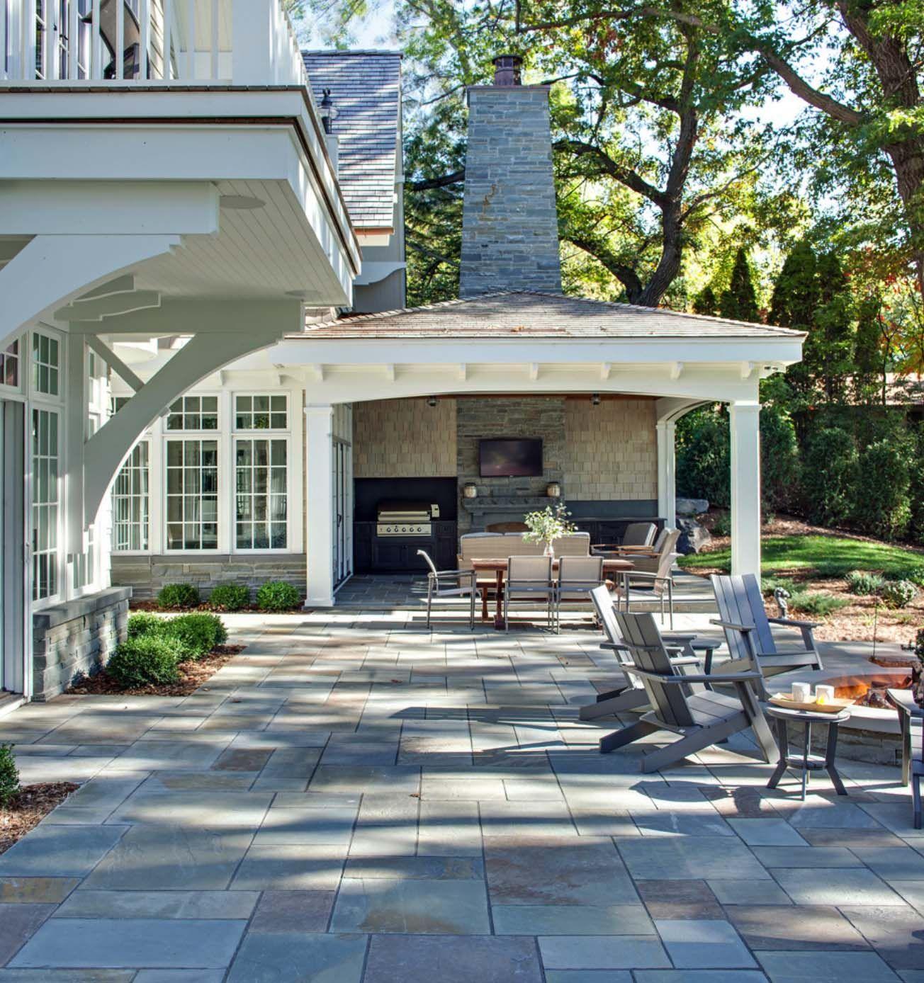 Shingle Garden Designs: Breathtaking Shingle-style Residence On Lake Minnetonka