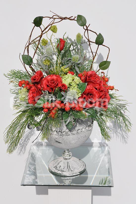 beautifull red roses snowball fern foliage table vase display rh pinterest com