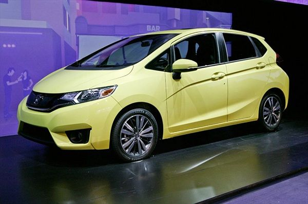 2016 honda fit is a subcompact car which will represent the third rh pinterest com