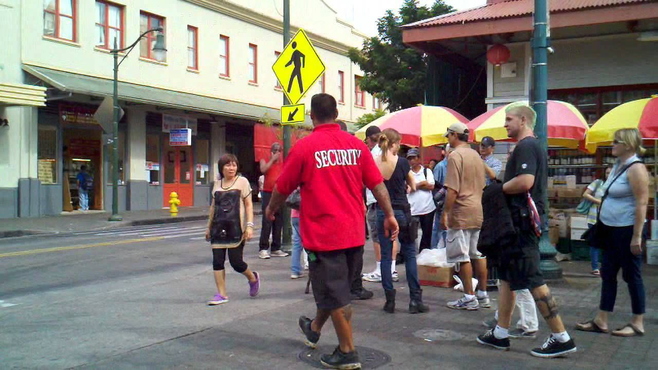 BTS: Hawaii Five-O Filming @ Kekaulike Mall (Alex and Dusty 2011)